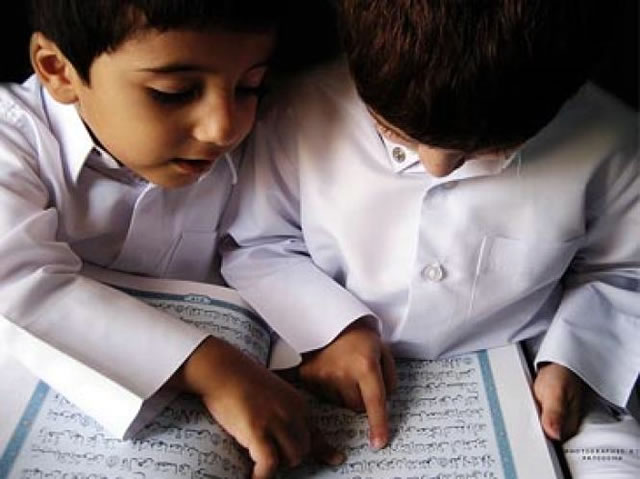 anak-laki-belajar-al-quran