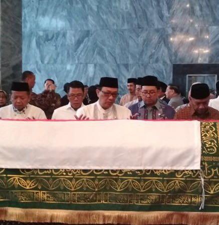 Memimpin Shalat Janazah (Alm. AM.Fatwa)