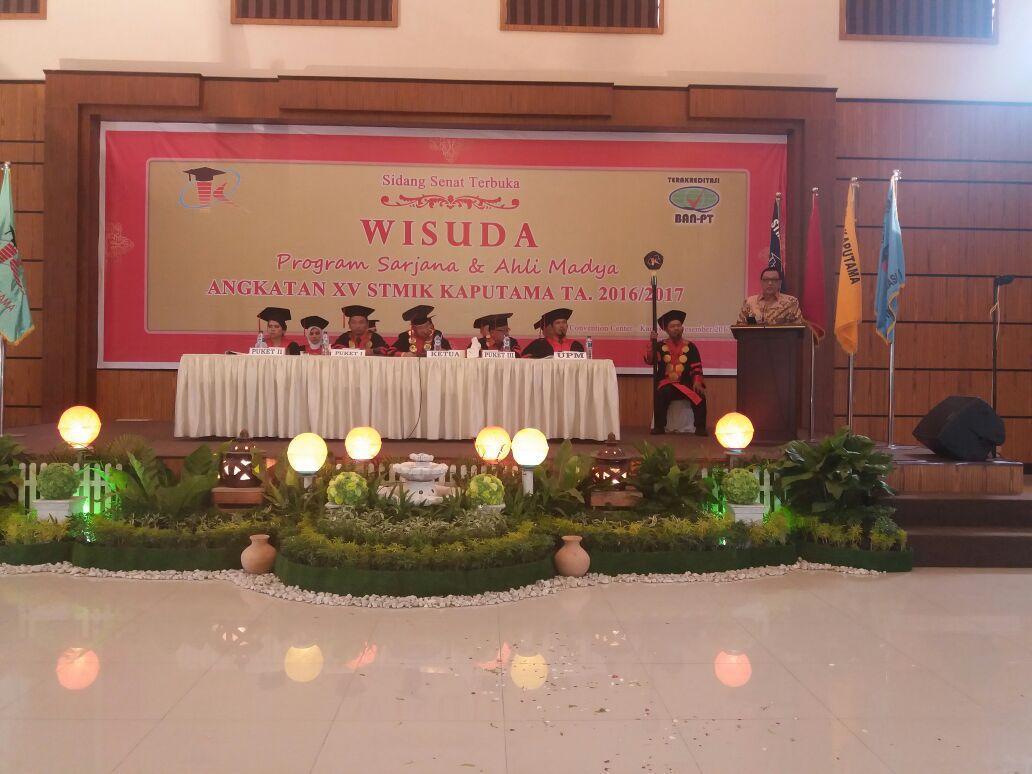 Memberikan Sambutan kepada para Wisudawan dan Wisudawati STMIK KAPUTAMA Sumatera Utara